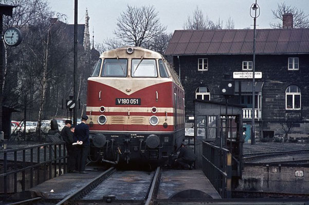 Lok der DDR-Reichsbahn, Betriebswerk Helmstedt, 1969  I  Copyright by Stiftung Eisenbahn Archiv Braunschweig