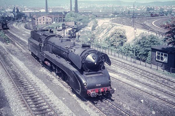 Schnellzuglok 10 001, Kassel 1962  I  Copyright by Stiftung Eisenbahn Archiv Braunschweig
