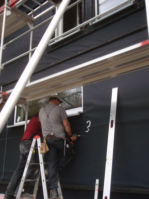 Arbeit an der Fassade