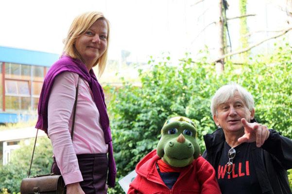 Willi mit der Bundesgeschäftsführerin der Volkssolidrität Annette Helbig