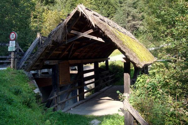 Die Ströhberne Brücke kurz nach dem Hirzmann Stausee