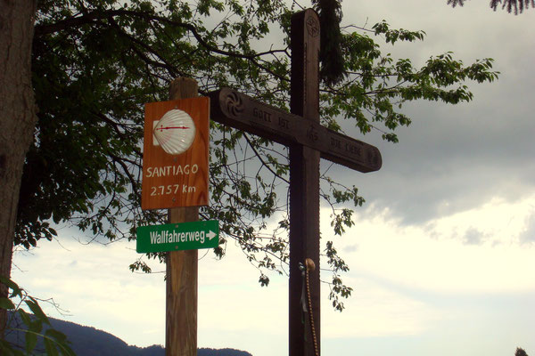 Ein Wallfahrerkreuz auf dem Weg nach Osterwitz