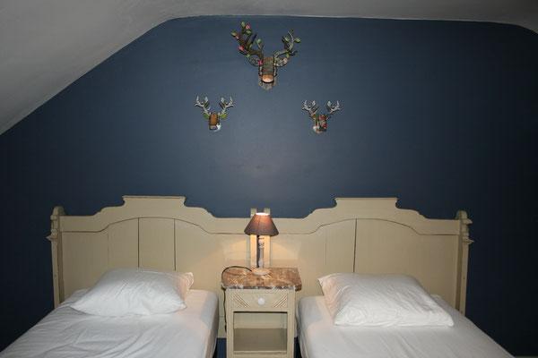 Chambre 3 1er étage (4 lits simples)