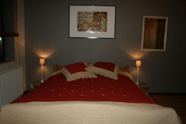 Chambre 2 1er étage (1 lit double)