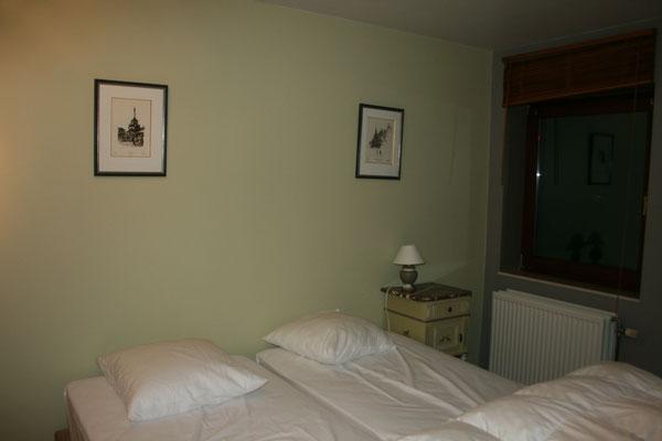 Chambre 1 1er étage (3 lits jumeaux)