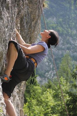 Bild: AbenteuerWandel, Abenteuer Wandel, Tiefenökologie und Prozessbegleitung: Anna Deparnay-Grunenberg, Klettern in Slowenien, Familie, Natur pur
