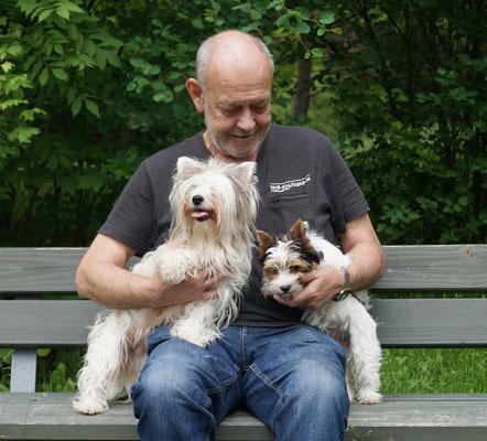 Gerd mit Laila und Ivy im Siebentischwald (Augsburg)