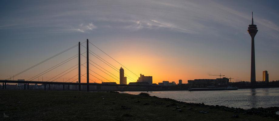Tag 306_Kurz vor Sonnenaufgang 01.04.2015