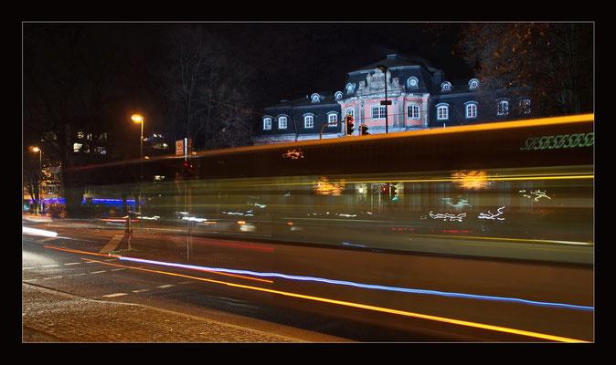 Vor Schloss Jägerhof