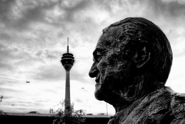 Tag 14_4 Johannes Rau Statue 13.06.2014