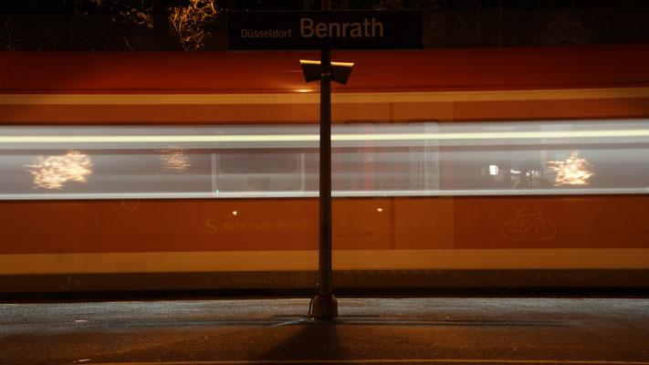 Zug fährt durch
