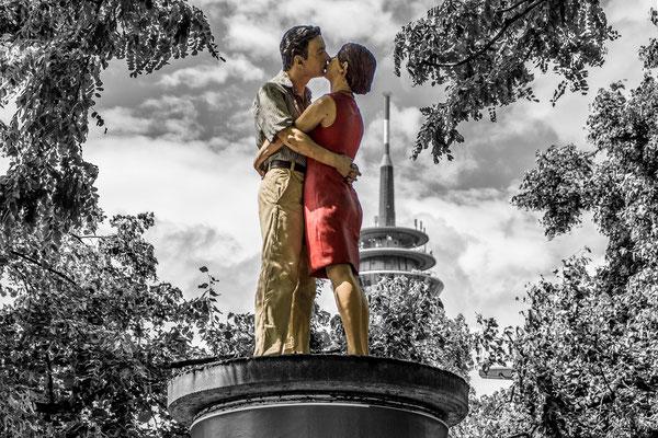 Tag 37_Die Küssenden 06.07.2014