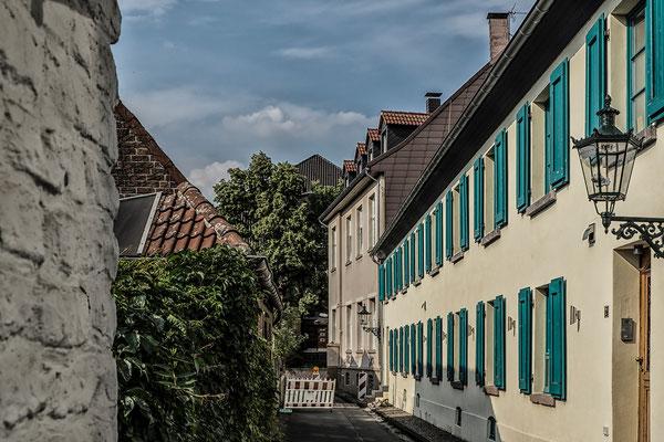 Tag 63_Die Gasse in Kaiserswerth 01.08.2014