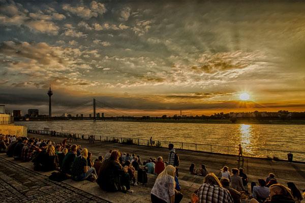 Tag 96_Goldene Stunde auf der Schlosstreppe 03.09.2014