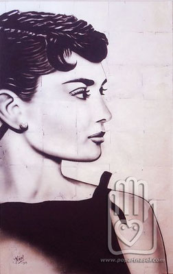 Audrey Hepburn - acrílico sobre pan de plata