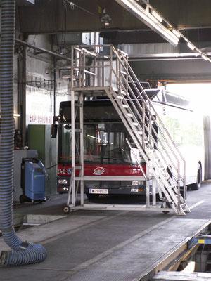 Fahrtreppe für Buswartung bei Wiener Linien