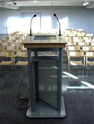 Redner-Pult mit Bildschirmfenster - Siemens Forum (diverse Materialien und Fertigungsprozesse)