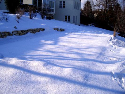 Pool-Schneestangen im Einsatz - Diverse (Zum Entlasten der Poolabdeckung bei Schneelast)