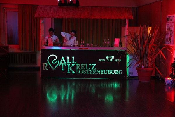 Cocktailbar mit Überdach und gebrandeter Vorderabdeckung - Rotes Kreuz Klosterneuburg