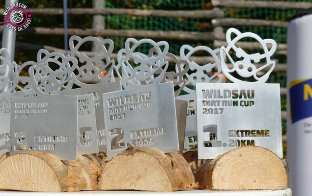 Pokale - Wildsau Dirt-Run (geschliffenes Aluminium, wasserstrahlgeschnitten)