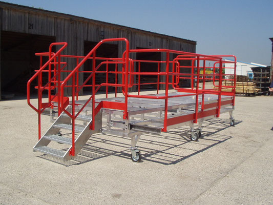 Mounting platform for Airbus Hamburg with ascent and telescopic stage MCE Voest