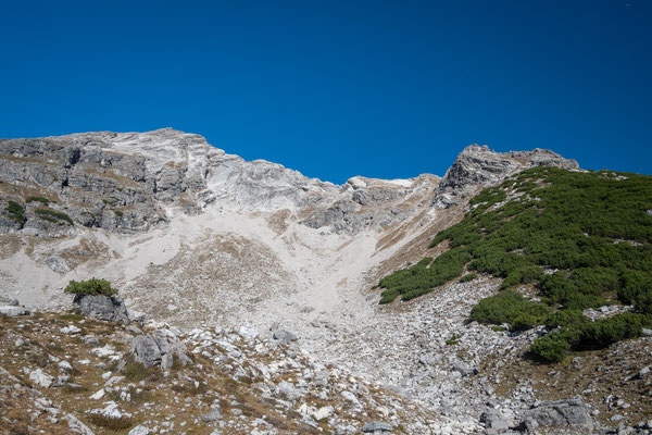 Vom Kar aus kann man den gesamten Grat überblicken.
