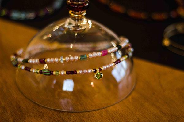 Gold 900/- | rosa Süßwasserperlen, bunte Turmaline, Muranoglasperlen, Granat, Peridot