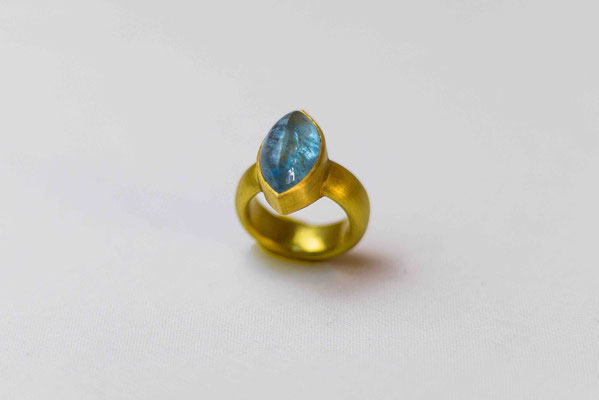 Gold 900/- | Aquamarin