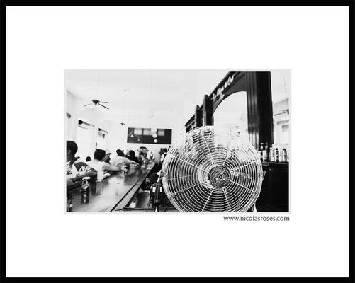VENTILO CUBA     > Photo 22x33cm     Passe partout blanc 40x50cm = 350€ (cadre + 40€) Nicolas Rosès Photographe