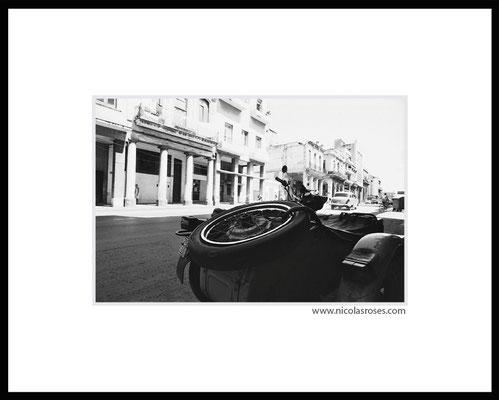 SIDE CAR CUBA     > Photo 21x31cm     Passe partout blanc 40x50cm = 350€ (cadre + 40€) Nicolas Rosès Photographe
