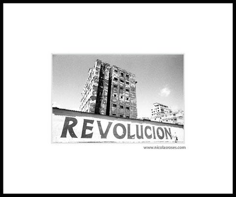 REVOLUCION CUBA  > Photo 23x34cm     Passe partout blanc 50x60cm = 450€ (cadre + 50€) Nicolas Rosès Photographe