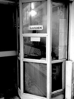 FIVE DAYS IN PARIS 52 Nicolas Rosès Photographe