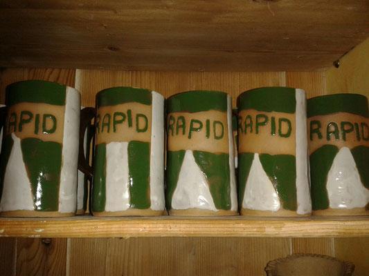 Rapid, Bierkrug, handgeformte Einzelstücke