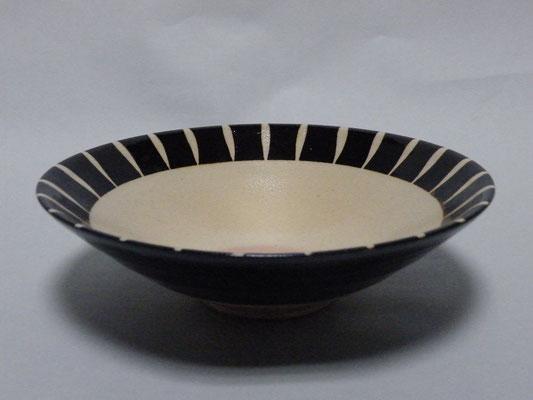 黒十草中白煮物鉢