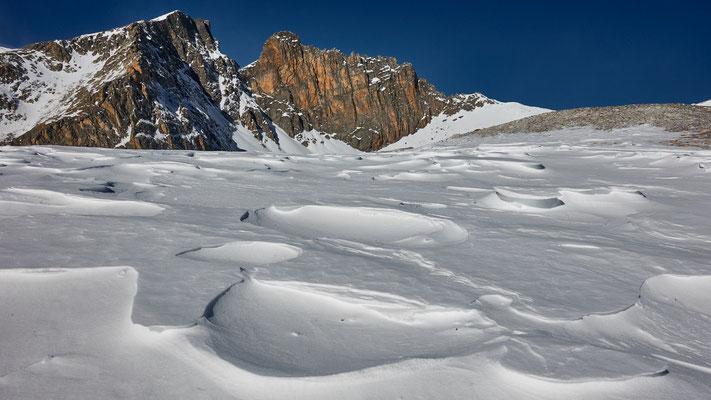 im Anstieg zum Monte Chersogno, riesige Windgangeln