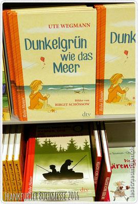 "Zweimal großartige Schössow-Illustrationen: Birgit oben, Peter unten. ""Dunkelgrün wie das Meer"" ist wunderbar! Besprechung folgt."