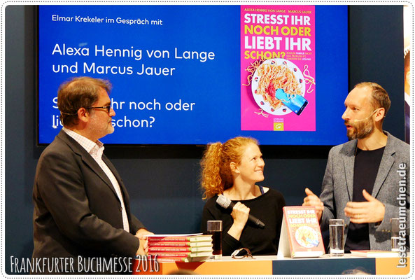 Alexa Hennig von Lange und Marcus Jauer am WELT-Stand
