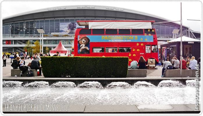 Der Paddington-Bus. Der dürfte gerne bei mir zu Hause auf der Straße stehen!