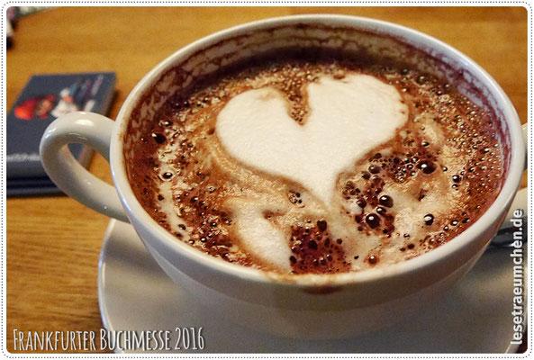 Ooh ... heiße Schokolade mit Herzchen!