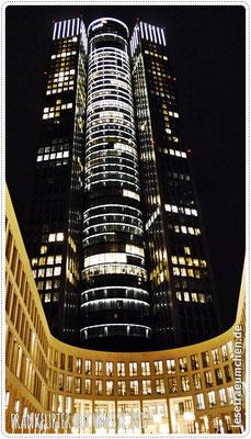 ... so vielen imposanten Gebäuden.