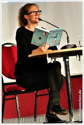 ... und Alexa Hennig von Lange aus ...