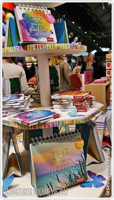 ... und noch mehr. Die haben so viele schöne Kalender und Bücher! Haben, haben, haben! :)