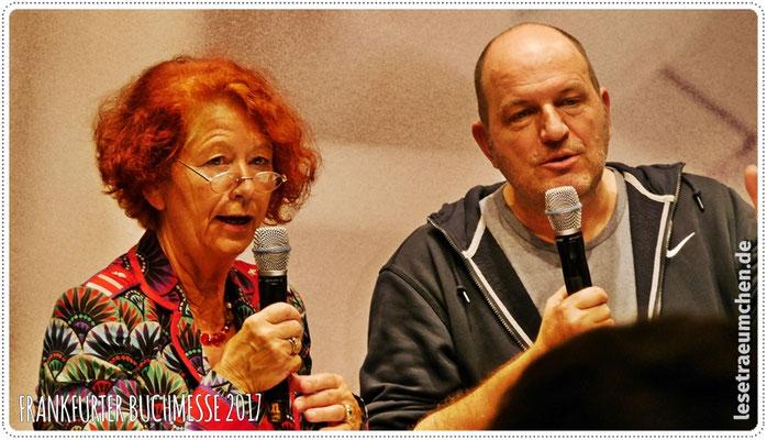 ... mit zum Teil skurrilen Fragen von Roswitha Budeus-Budde, die Andreas Steinhöfel tapfer beantwortete.
