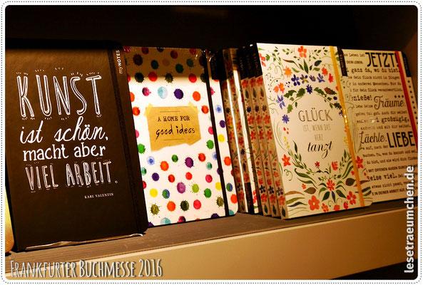 Und dann diese schönen Bücher mit immer neuen Covern ...