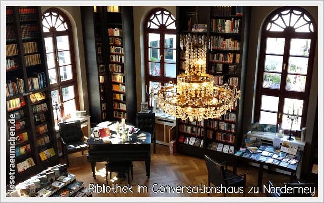 Mitten in der Nordsee - die wunderschöne Bibliothek im Conversationshaus zu Norderney. Take me back! :) | Website: www.bibliothek-norderney.de