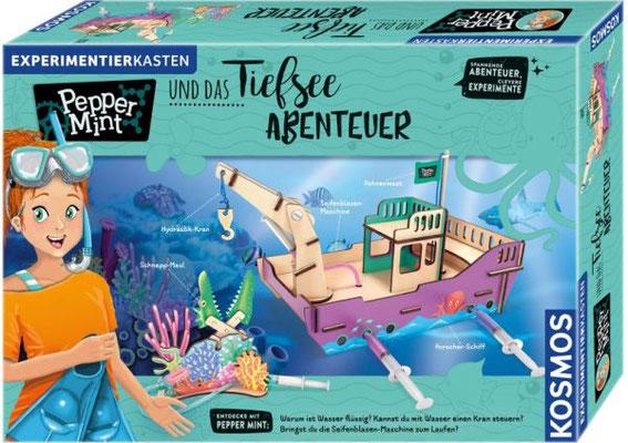 Pepper Mints Tiefsee-Abenteuer befassen sich mit Themen rund ums Wasser, um Hydraulik und vieles mehr. Das Forschungsschiff kann wie das Baumhaus weiter bespielt werden.