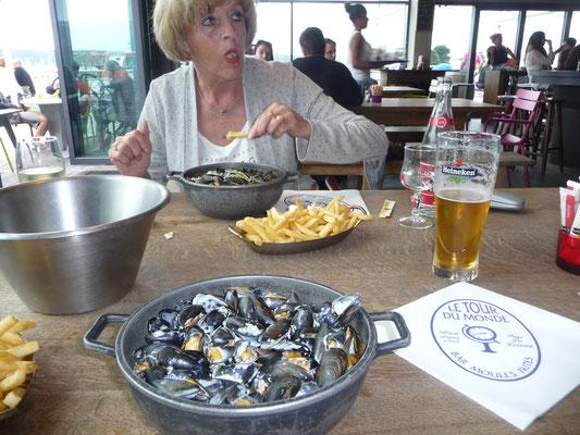 Moule avec Frittes , es gibt auch Muscheln ohne Pommes