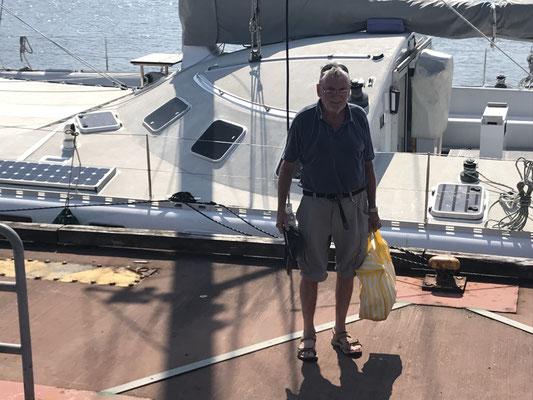 Kapitän Jürgen geht von Bord