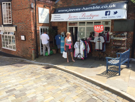 Shopping in Hamble