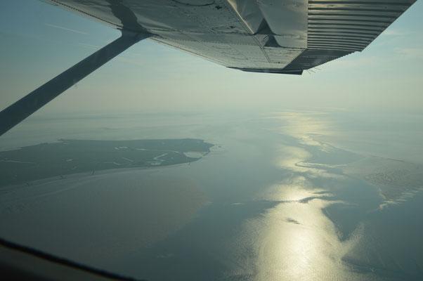 Unter uns das Ostfriesische Wattenmeer